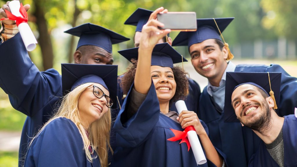 everything grad about college grads taking a selfie